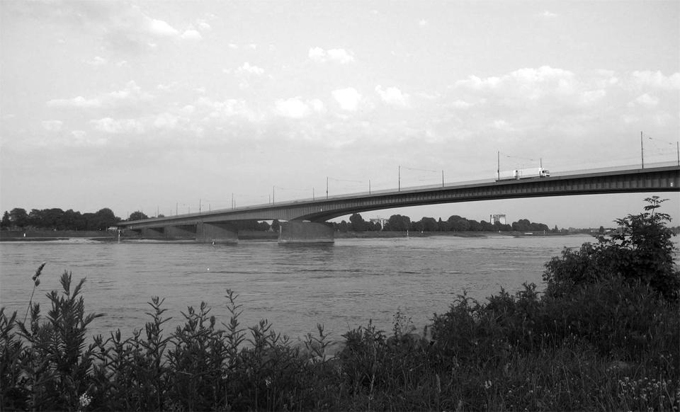 Josef-Kardinal-Frings-Brücke Duisburg